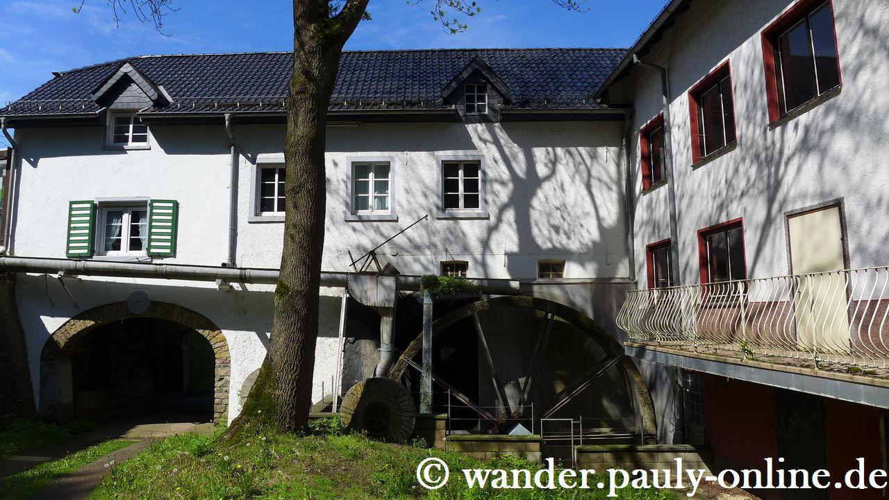 Historische Wassermühle in Dreimühlen