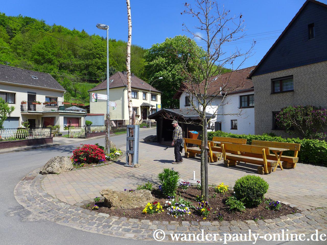 Dorfplatz in Urfey