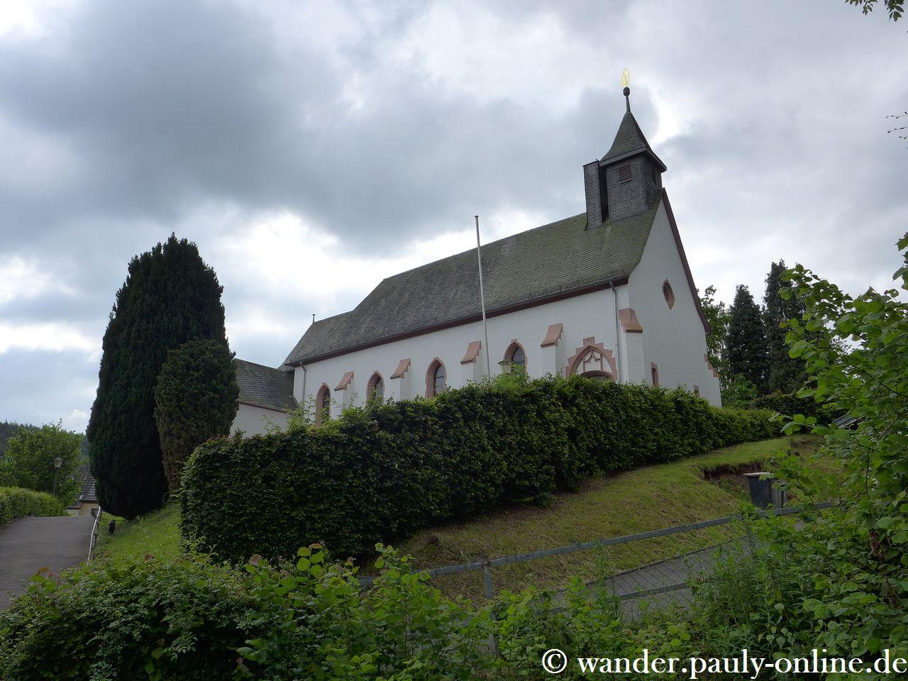 Pingenwanderweg - Golbacher Kirche