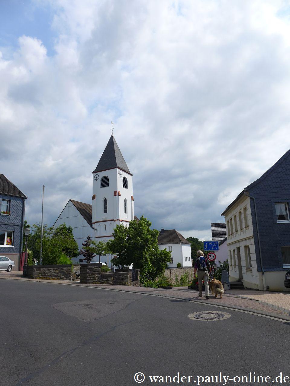 Pingenwanderweg - Kaller St. Nikolaus Kirche